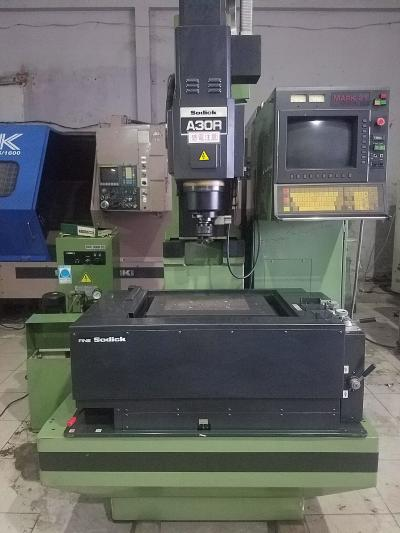 Máy bắn điện CNC - Sodick A30R